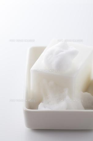 石鹸と泡の写真素材 [FYI00334257]