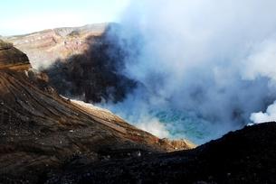 阿蘇中岳火口の写真素材 [FYI00334960]