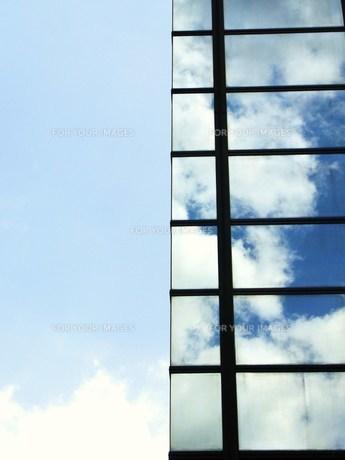 うつる雲の素材 [FYI00335618]