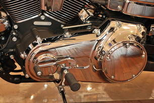 オートバイ エンジン部分の写真素材 [FYI00335819]