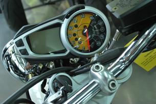 オートバイのメーターの素材 [FYI00335847]