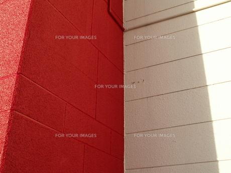 赤と白の影の素材 [FYI00335850]
