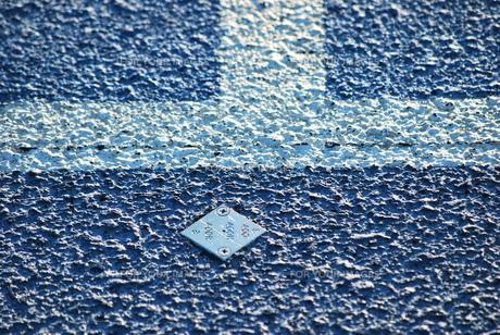 陸上競技 トラックと芝生の写真素材 [FYI00335887]