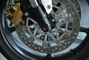 オートバイ ディスクブレーキの写真素材 [FYI00335913]