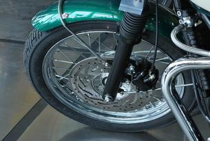 緑色のオートバイの素材 [FYI00335921]