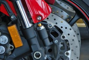 オートバイ ディスクブレーキの写真素材 [FYI00335931]