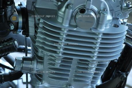 オートバイのエンジンの素材 [FYI00335933]