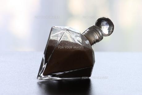 ガラス瓶に入ったアンデスの塩の写真素材 [FYI00336227]