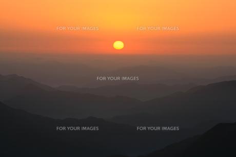 高見山から見える日の出の素材 [FYI00336349]
