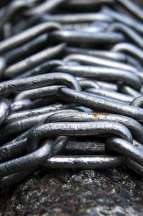 巻き付く鎖の写真素材 [FYI00336607]
