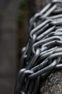 巻き付く鎖の写真素材 [FYI00336614]