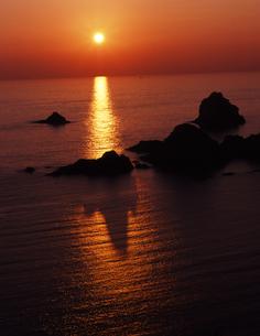 黄昏の奥石廊崎の写真素材 [FYI00336761]