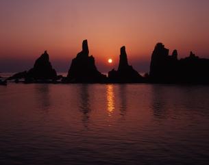 橋杭岩の昇陽の素材 [FYI00336805]