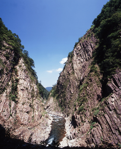 V字峡谷の写真素材 [FYI00336807]