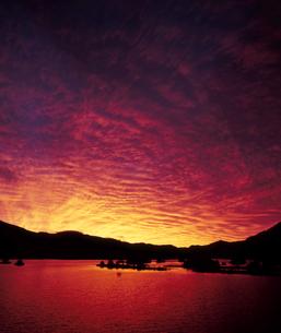 燃える夜明けの写真素材 [FYI00336936]