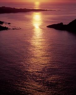 光る海の写真素材 [FYI00336971]