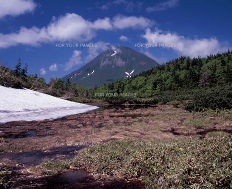 残雪の羅臼湖二の沼の素材 [FYI00337058]