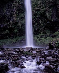 阿弥陀ヶ滝の写真素材 [FYI00337199]