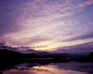 夜明け雲の写真素材 [FYI00337279]