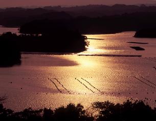 英虞湾の夕日の写真素材 [FYI00337933]