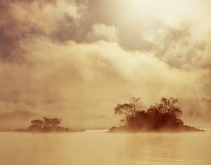桧原湖の朝の写真素材 [FYI00338006]