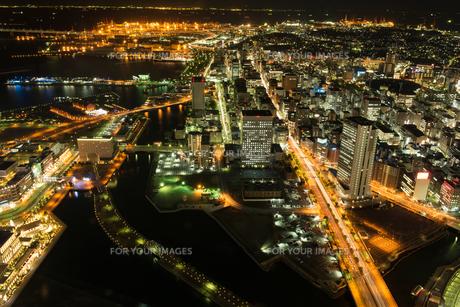 横浜中心市街地の夜景の素材 [FYI00338446]