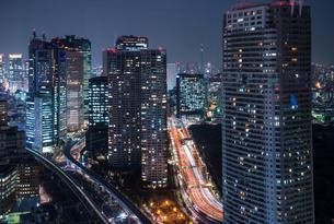東京汐留の夜景の写真素材 [FYI00338750]
