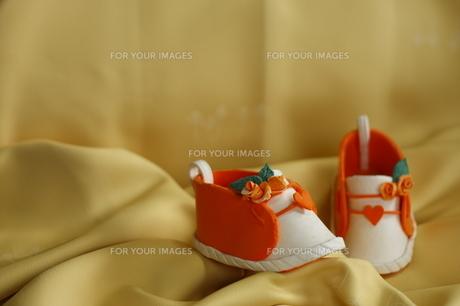 紙粘土 靴 赤ちゃんの写真素材 [FYI00361054]
