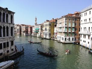 ヴェネツィアの運河の写真素材 [FYI00361205]