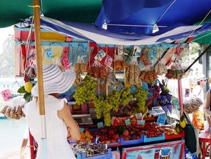 カプリ島の売店の写真素材 [FYI00361256]