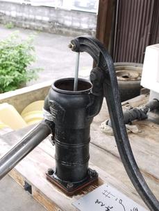 公共井戸の写真素材 [FYI00361268]