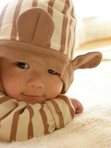 かわいい姿の赤ちゃんの写真素材 [FYI00361752]