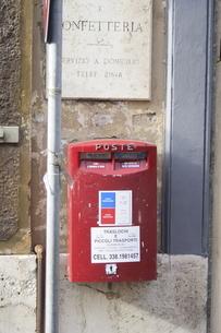ローマでみつけたポストの写真素材 [FYI00362259]