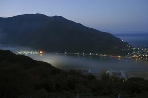 肱川あらしの夜明けの写真素材 [FYI00362263]