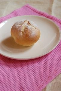 焼きたてパンの写真素材 [FYI00363104]