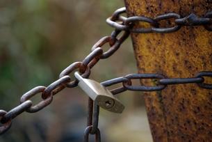 鎖と鍵の写真素材 [FYI00363297]
