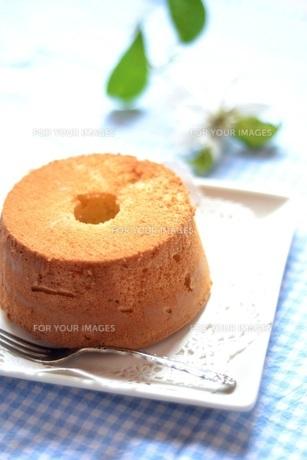 小さなシフォンケーキの写真素材 [FYI00364107]
