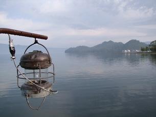 十和田湖の幻想の写真素材 [FYI00364197]