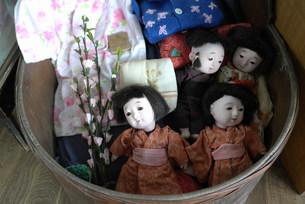 昔の古いお人形の写真素材 [FYI00364216]