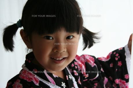 浴衣の女の子の写真素材 [FYI00364308]