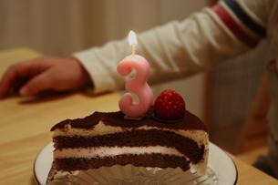 3歳の誕生日ケーキの素材 [FYI00364414]
