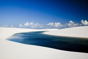 ブラジル東部の消える湖の素材 [FYI00364477]