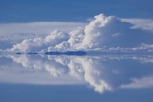 ミラーレイクのウユニ塩湖の素材 [FYI00364621]