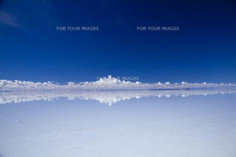 ミラーレイクのウユニ塩湖の素材 [FYI00364624]
