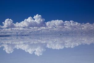 ミラーレイクのウユニ塩湖の素材 [FYI00364627]