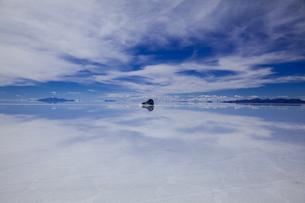 ミラーレイクのウユニ塩湖の素材 [FYI00364630]