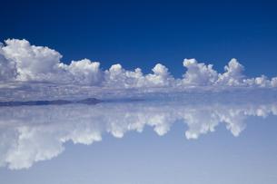 ミラーレイクのウユニ塩湖の素材 [FYI00364631]