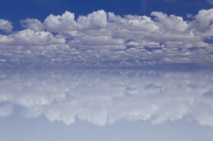 ミラーレイクのウユニ塩湖の素材 [FYI00364639]