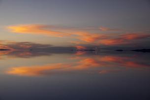 ミラーレイクのウユニ塩湖の素材 [FYI00364640]