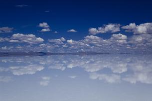 ミラーレイクのウユニ塩湖の素材 [FYI00364646]